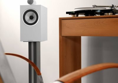 705 S2 Satin White on Stand with Record Player Detail